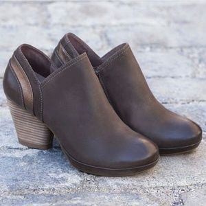 DANSKO Marcia Burnished Leather Bootie Size 36